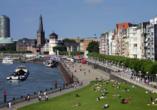 Haben Sie Lust auf einen Spaziergang an der Rheinuferpromenadein Düsseldorf?