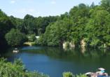An heißen Tagen lohnt sich ein Ausflug an den Blauen See in Ratingen.