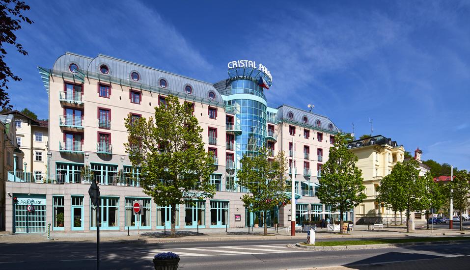 Herzlich willkommen zu Ihrer wohlverdienten Auszeit im OREA Spa Hotel Cristal!
