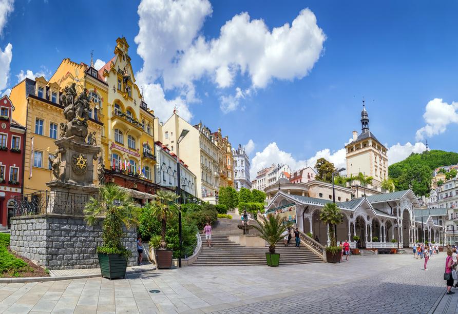 Die wunderschöne Innenstadt von Karlsbad lädt zum geruhsamen Schlendern ein.