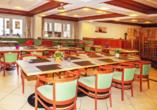 Im hoteleigenen Restaurant werden für Sie typische Gerichte aus Tirol, aber auch internationale Speisen serviert.