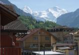 Auch vom Hotel aus haben Sie eine wunderschöne Aussicht auf die umliegende Bergwelt.