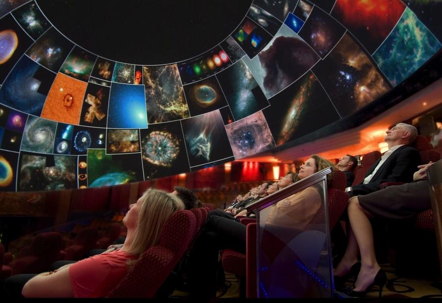 Queen Mary 2, Planetarium