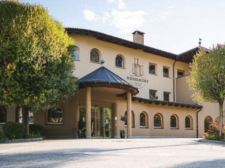 Das Hotel Kesslwirt begrüßt Sie in Südtirol.