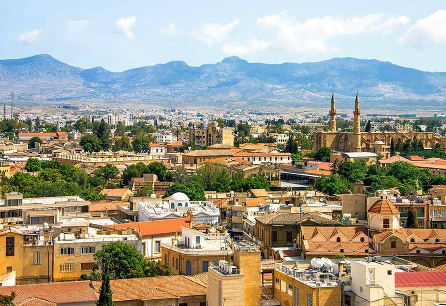 Der Norden Zyperns und seine unberührte Natur, Blick auf Nicosia