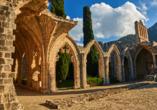 Der Norden Zyperns und seine unberührte Natur, Abtei Bellapais in Kyrenia