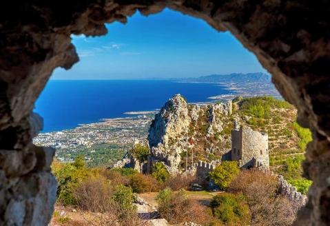 Der Norden Zyperns und seine unberührte Natur, Bergfestung St. Hilarion in Kyrenia