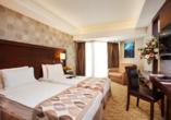 Der Norden Zyperns und seine unberührte Natur, Beispielzimmer im Beispielhotel Salamis Bay Conti Hotel