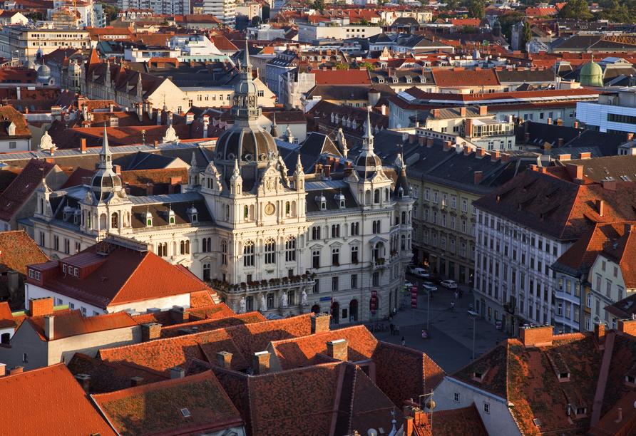 Graz lockt mit vielen architektonischen Meisterwerken wie dem Rathaus.