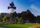 Der Uhrturm auf dem Schloßberg ist das Wahrzeichen von Graz.