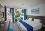 Hotel Limanaki Beach, Beispiel eines Doppelzimmers Superior Garten- und Poolblick