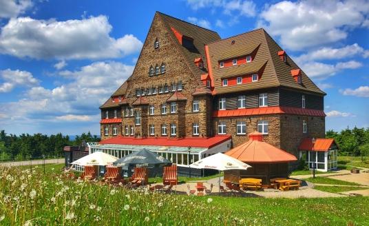 Relaxhotel Sachsenbaude Oberwiesenthal, Außenansicht Sommer