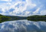 Die Natur rund um Plettenberg lockt mit tollen Talsperren – hier: Versetalsperre.