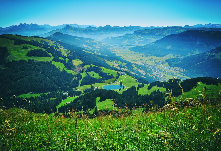 Von der Hohen Salve haben Sie einen wunderschönen Blick über das Brixental.
