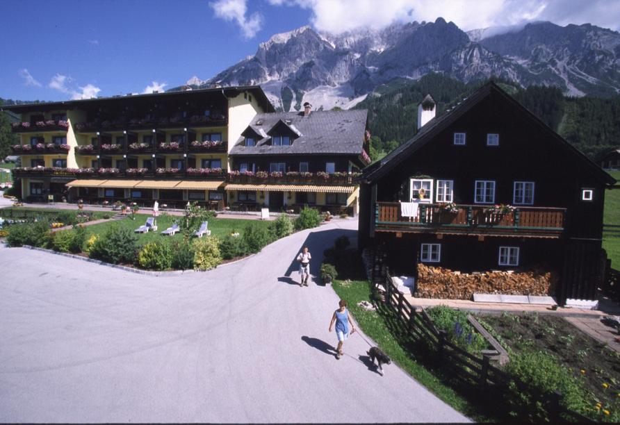 Ferienhotel Knollhof in Ramsau, Hotelansicht