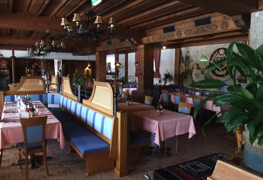 Ferienhotel Knollhof in Ramsau, Speisesaal