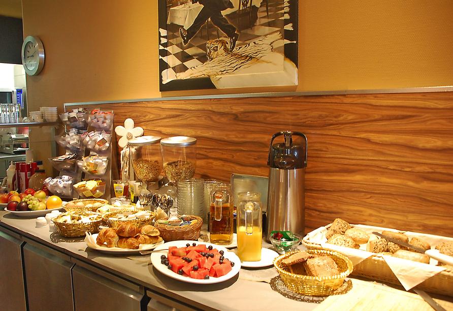 Genießen Sie das reichhaltige Frühstücksbuffet im Casilino Hotel A20 Wismar.