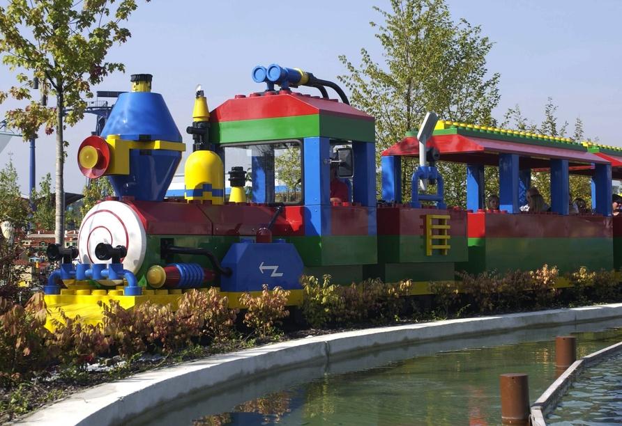 Gehen Sie mit dem LEGOLAND Express auf Entdeckertour durch den Park.