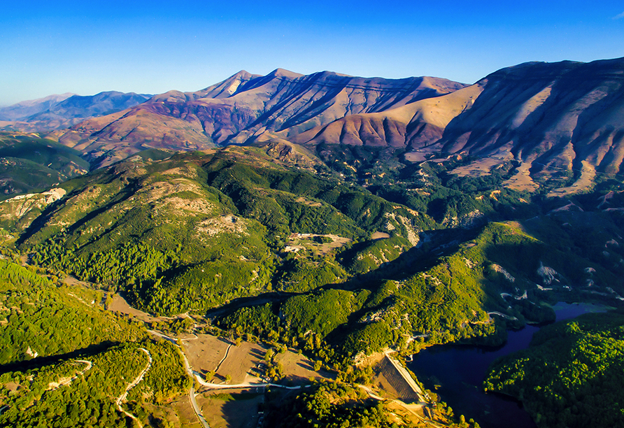 Albanien begeistert Sie mit einer faszinierenden Naturlandschaft.