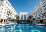 Außenansicht des Hotel Grand Blue Fafa Resorts