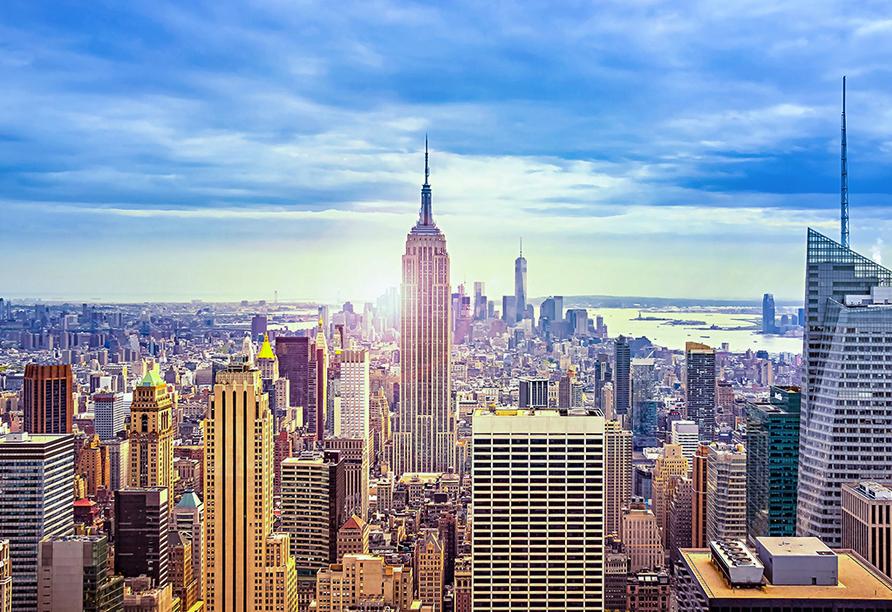 Genießen Sie die sagenhafte Aussicht über Manhattan von der Aussichtsplattform