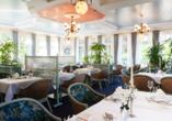 Das Restaurant Palmengarten empfängt Sie in stilvollem, schicken Ambiente.