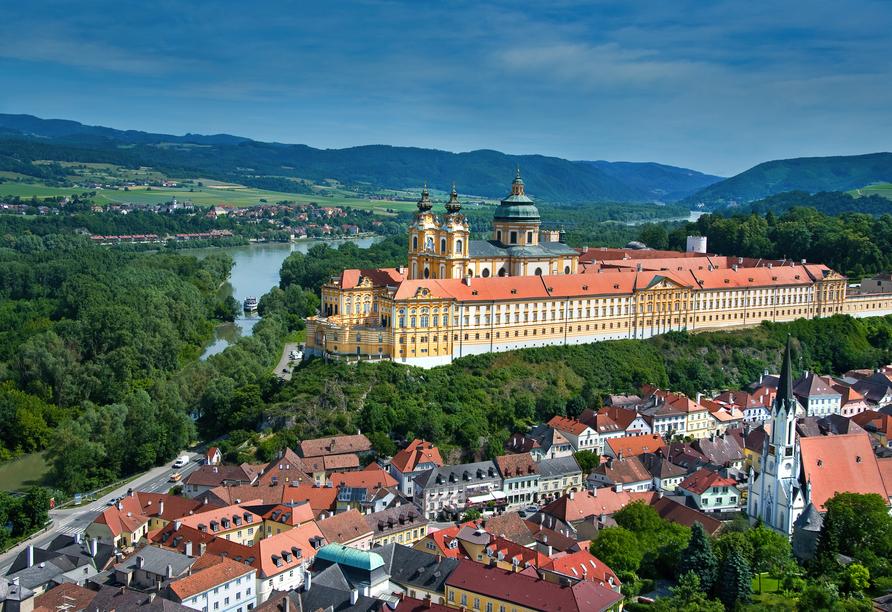 Ihre erste Station ist Melk in Österreich.