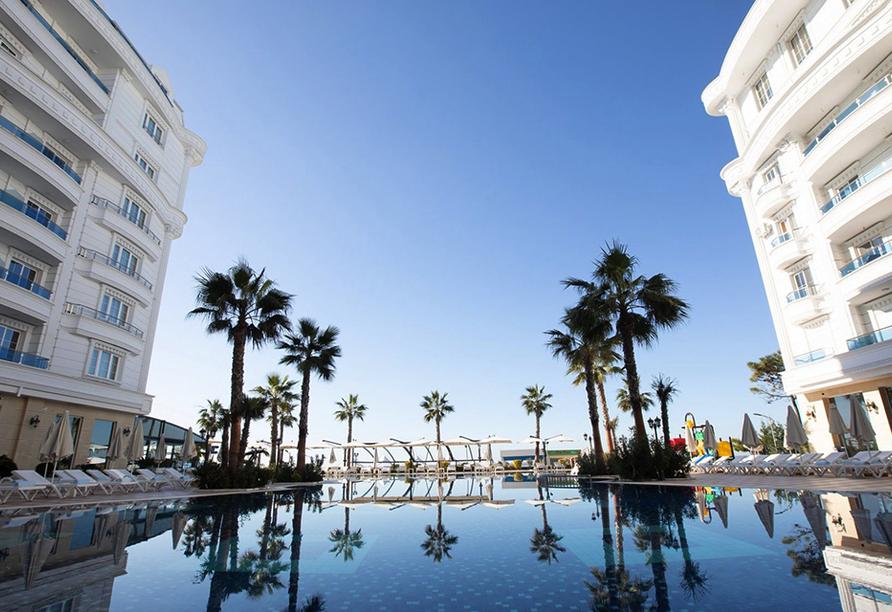 Verbringen Sie einen traumhaften Urlaub im Hotel Grand Blue Fafa Resort.