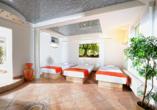 Entspannung finden Sie im Ruhebereich mit Wasserbetten im Wellnesshotel Rothfuss.