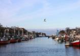 Fischerboote am Hafen in Warnemünde