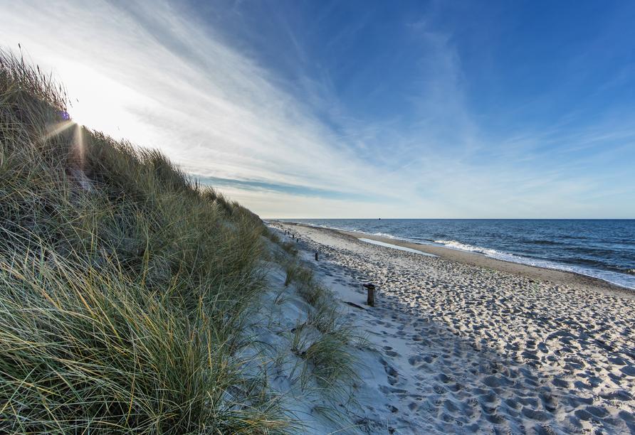Am Ostseestrand finden Sie Erholung.