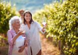 Gönnen Sie sich einen leckeren Wein während Ihrer Tour durch die Rheingauer Weinberge.