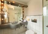 Precise Resort Marina Wolfsbruch, Beispiel Badezimmer Appartement Ferienhaus