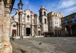 Kombination aus Städteerlebnis und unberührtem Urlaubsparadies, Catedral de San Cristóbal