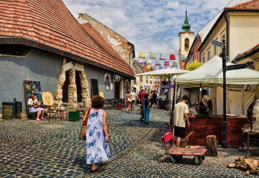 Die Künstlerstadt Szentendre erwartet Sie mit einem herrlichen Stadtkern.
