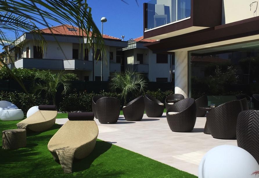Außenbereich im Hotel Pineta Mare in Lido di Camaiore