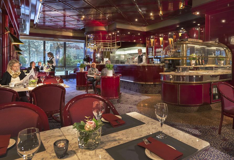 Das Café Brasserie verwöhnt Sie mit köstlichen Speisen.