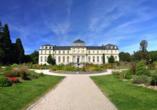 Besuchen Sie das Poppelsdorfer Schloss in Bonn.