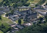 Sie sehen die Abtei Fontevraud.