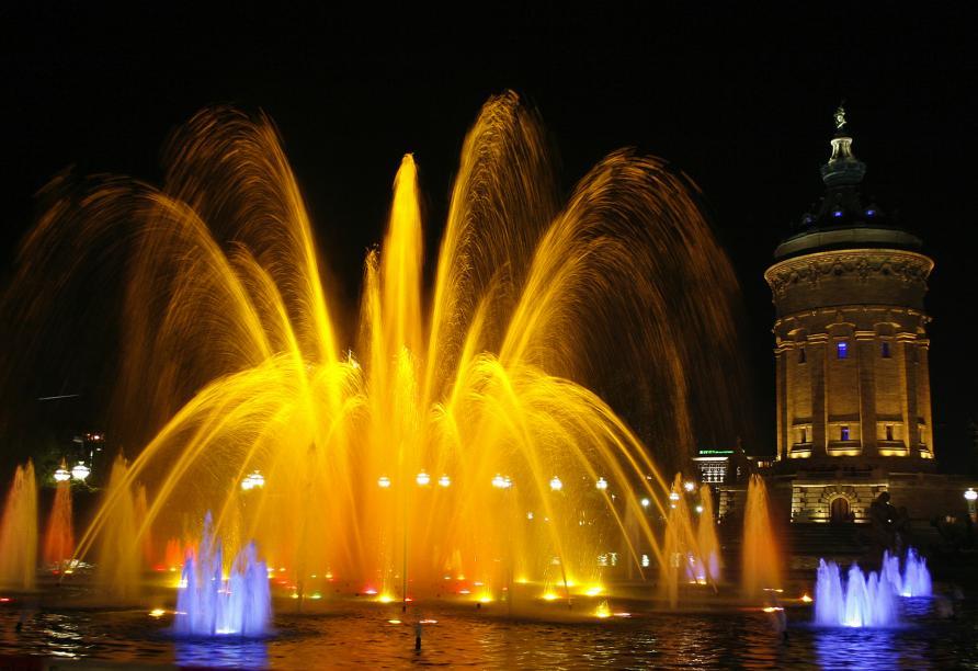Der beeindruckende Mannheimer Wasserturm prägt das Stadtbild, wie kein anderer Ort.