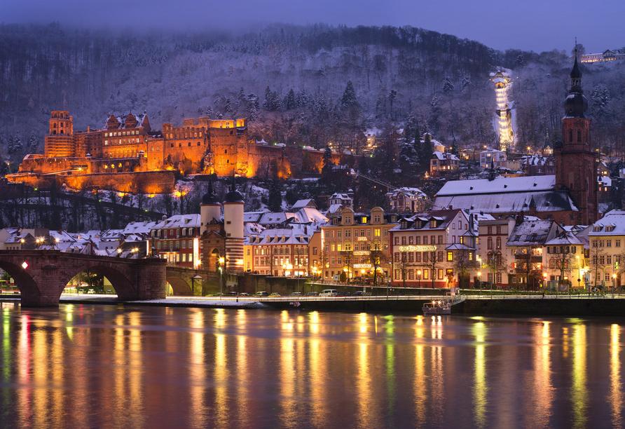 Die romantische Altstadt Heidelbergs lädt zum Verweilen und Träumen ein.
