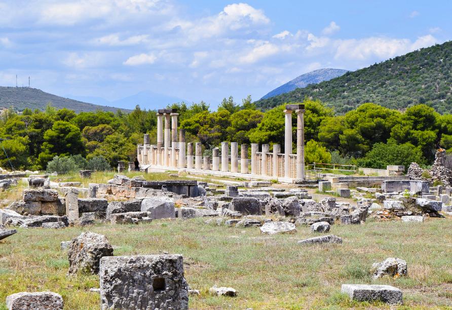 Auch die UNESCO-Weltkulturerbestätte Asklepion von Epidaurus sehen Sie.