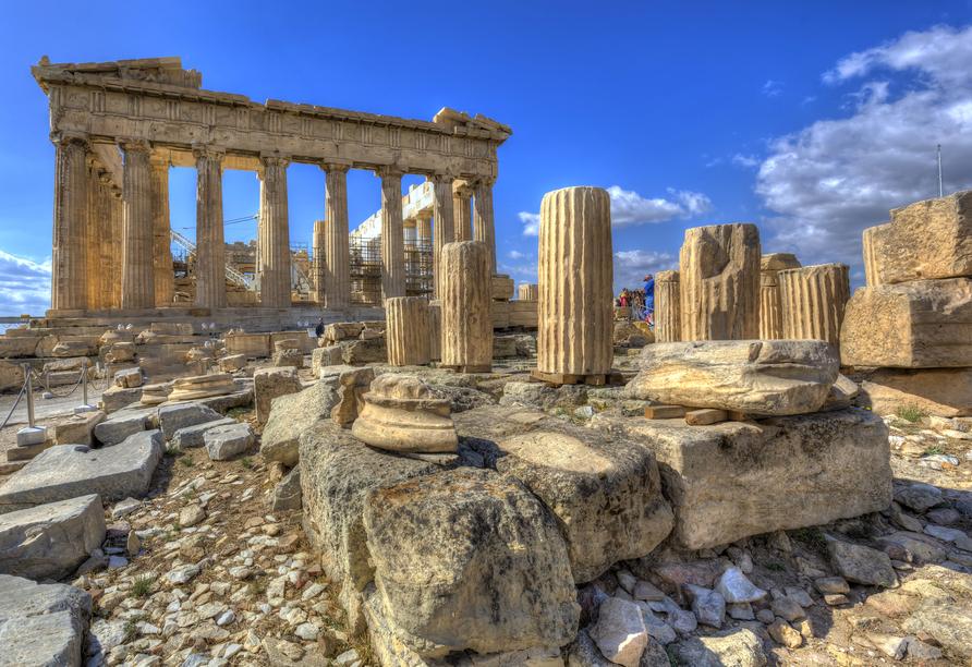 Der Parthenon ist der Tempel für die Stadtgöttin Pallas Athena Parthenos auf der Athener Akropolis.