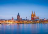 Die Kölner Skyline wird vom historischen Kölner Dom geprägt.