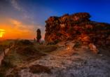 Die Teufelsmauer in Thale im romantischen Sonnenuntergang.