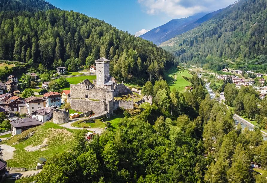 Hotel Parco dello Stelvio, Castello di San Michele