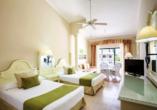 Beispiel einer Junior Suite Superior mit getrennten Betten.