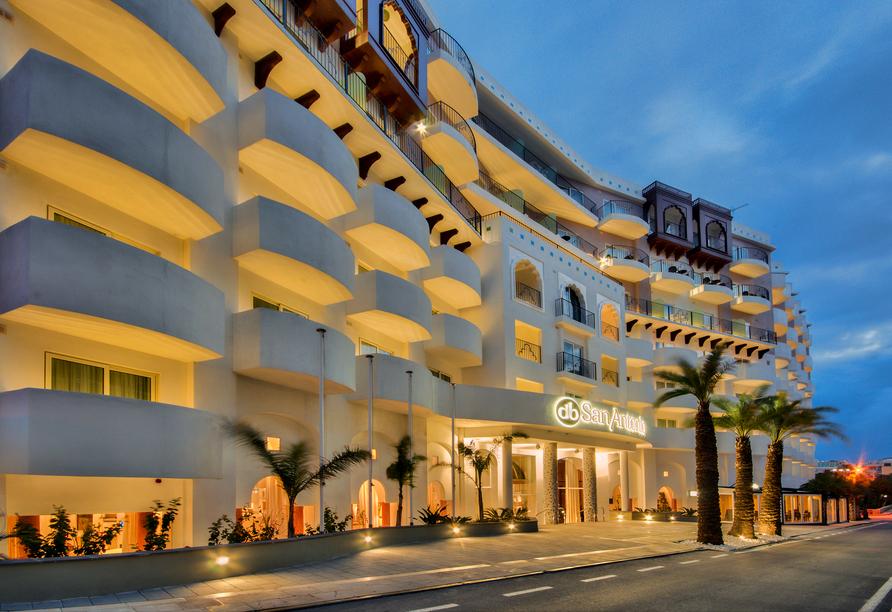 Die spannende Inselgruppe Malta entdecken, Außenansicht Hotel