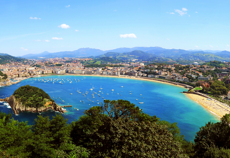Blick auf den berühmten Strand Playa de la Concha