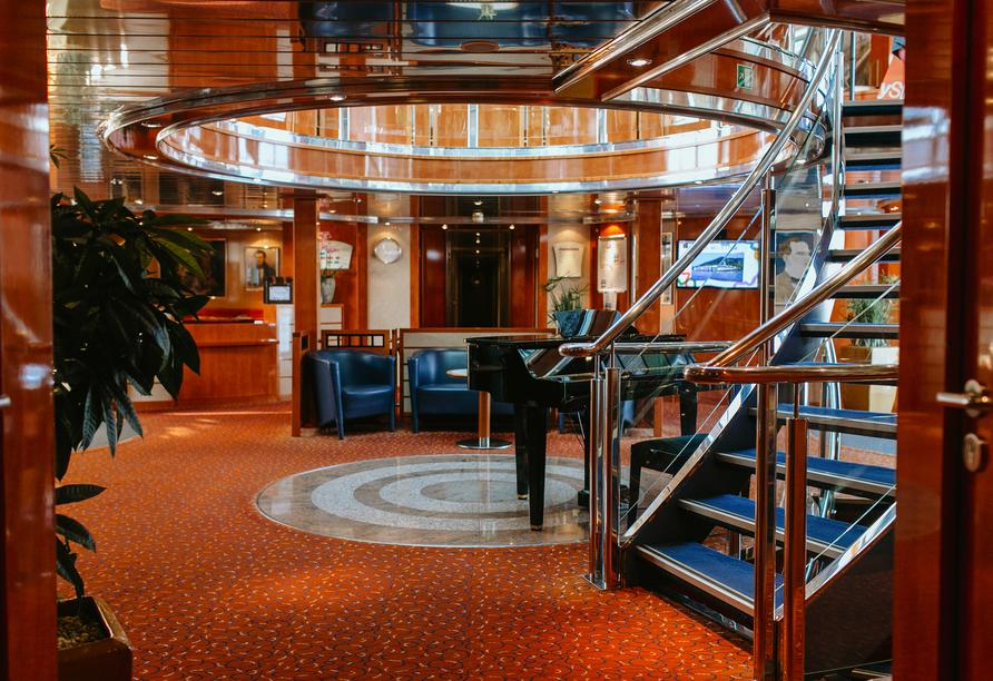 MS Crucedream, Lobby